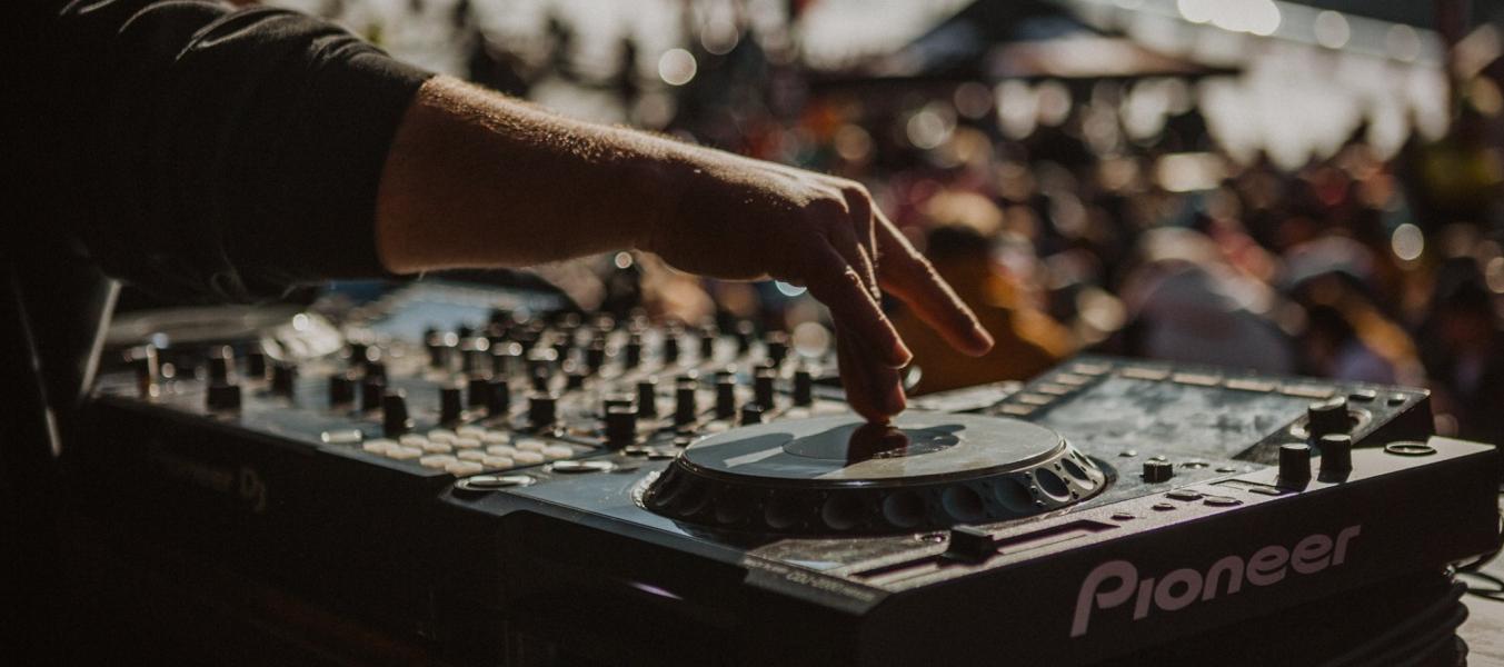 Concert DJs Bubble + Crisp @ Le Rond Point
