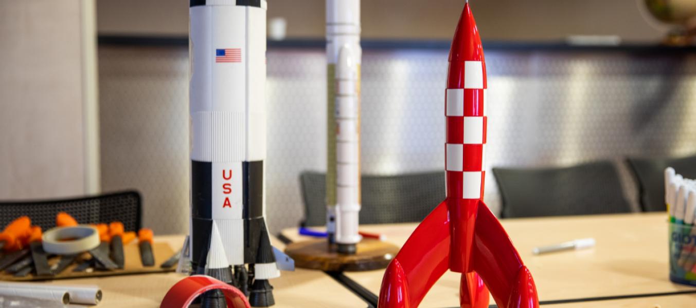 Fabrication de fusée à poudre et lancement