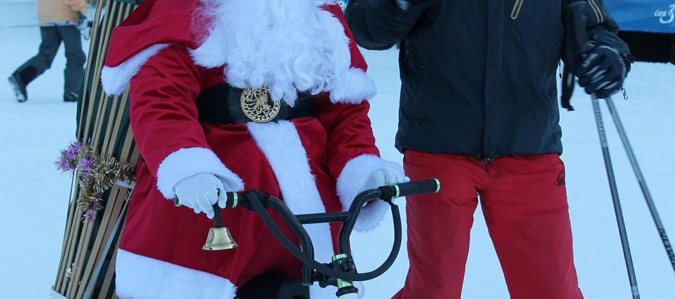 Père Noël sur les pistes