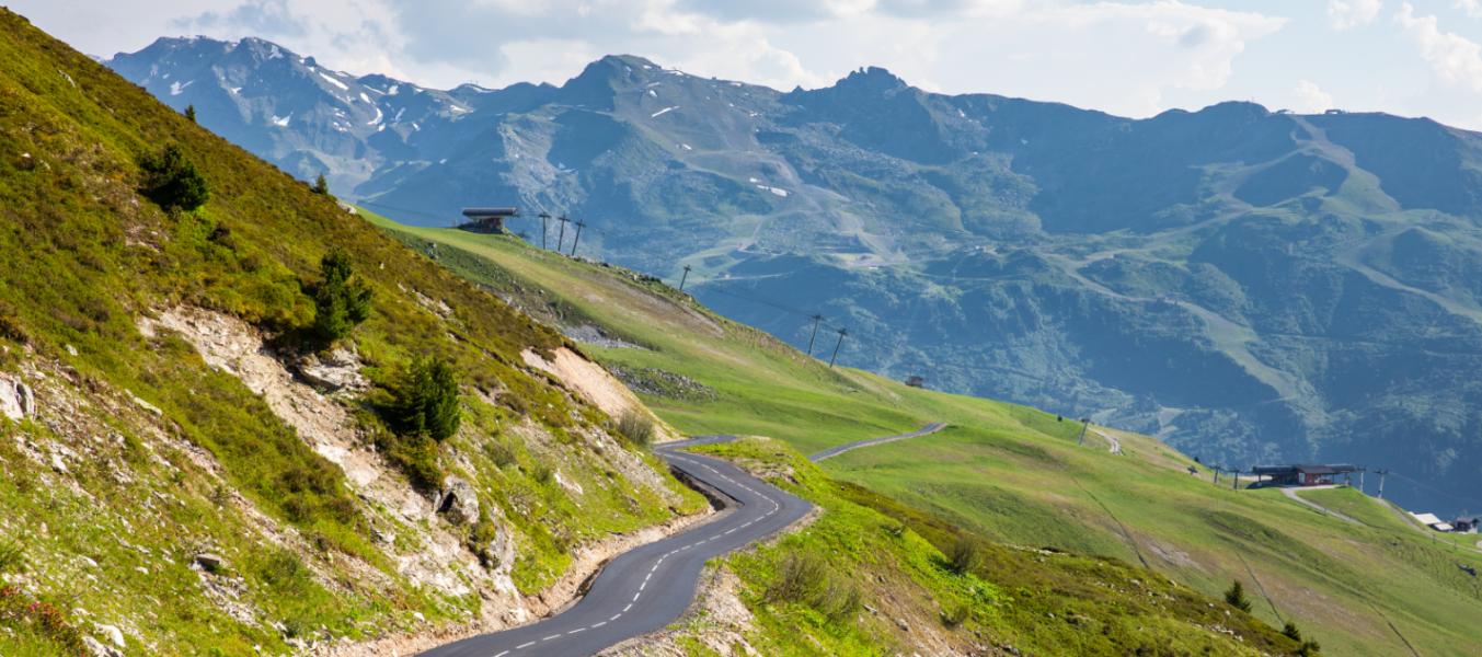 Vélo électrique - Montée du Col  de la Loze