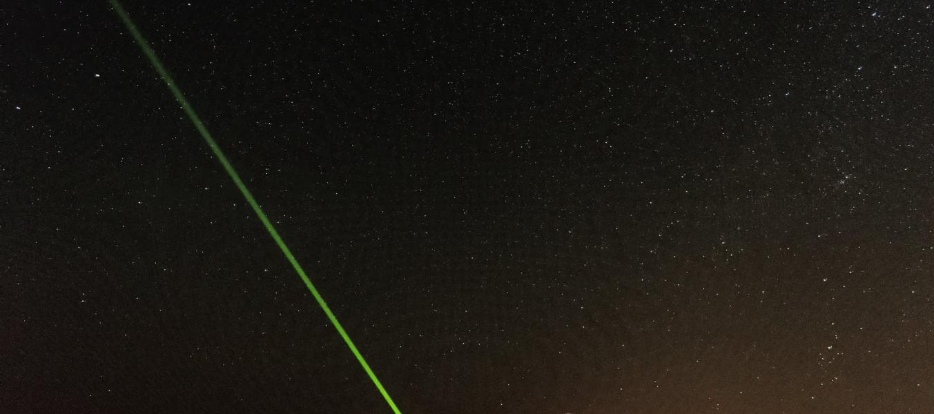 Observation du ciel nocturne au laser