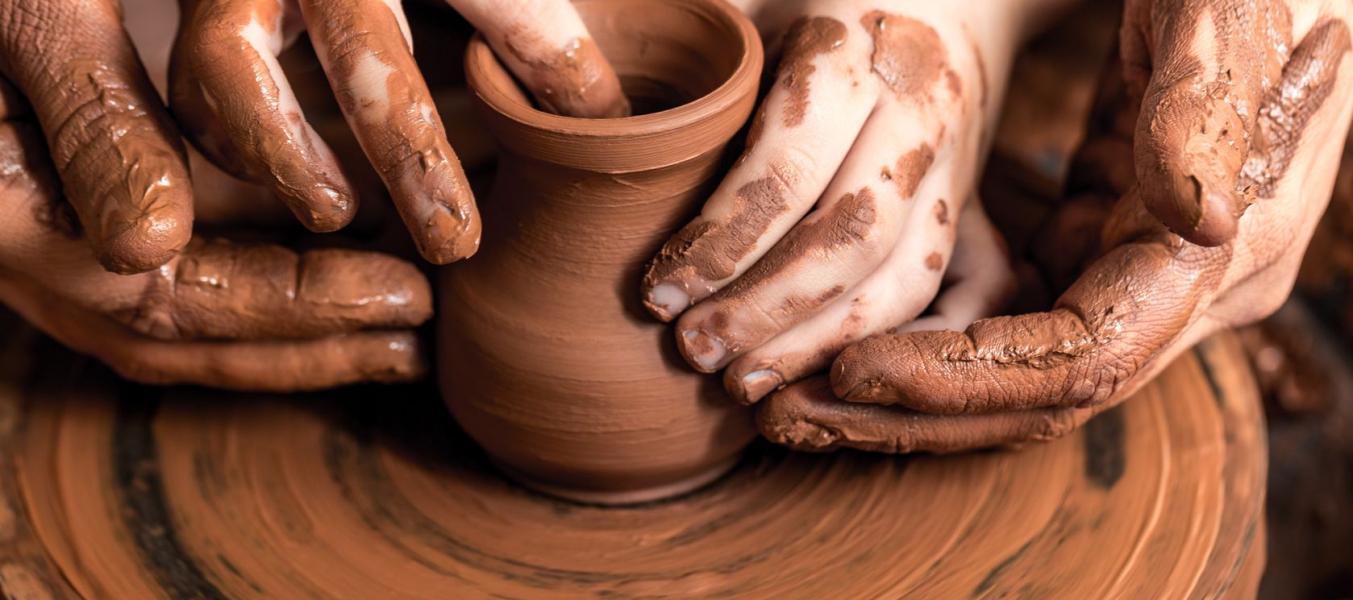 Atelier poterie et peinture à la ferme pédagogique de la Traye