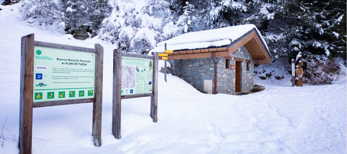 Toilettes publiques - Maison de la réserve - Tuéda
